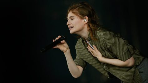 christine-and-the-queens-glasto
