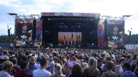 V Festival Stage